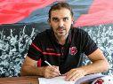 Carevic renueva su contrato con Alajuelense