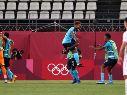 Jugadores de Honduras festejan el tercer tanto ante Nueva Zelanda.