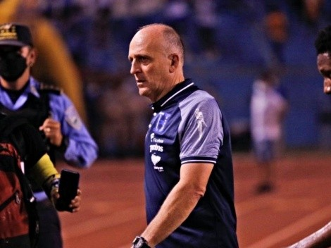 Oficial: Fabián Coito dejó de ser el entrenador de Honduras