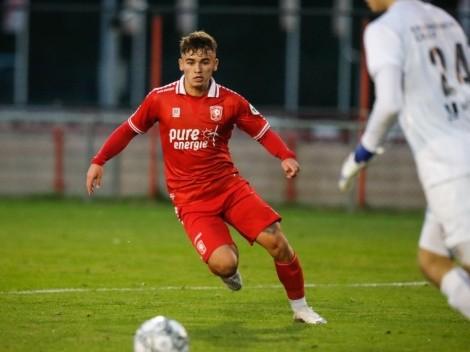 Manfred Ugalde recibe malas noticias en el F.C Twente